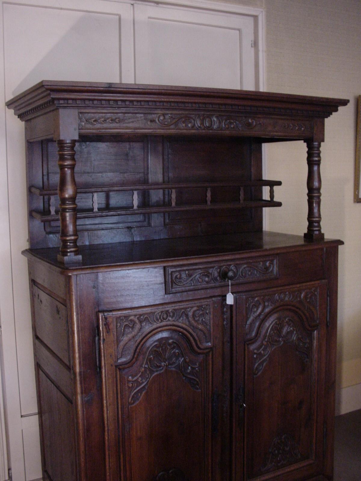 Buffet rustique helen antiquit s meubles anciens vintage - Buffet bas ancien ...