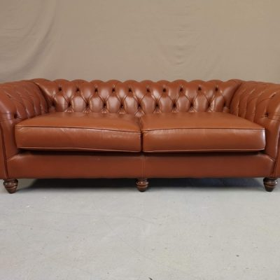 CANAPE CHESTERFIELD MARRON