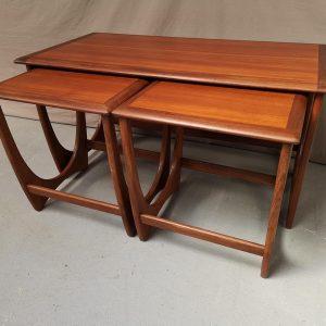 Table gigogne vintage