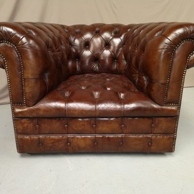 FAUTEUIL CHESTERFIELD CAPITONNE