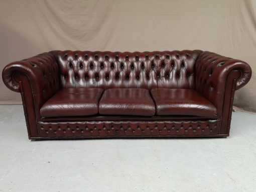 CANAPE CHESTERFIELD CUIR BORDEAUX BAMBOU