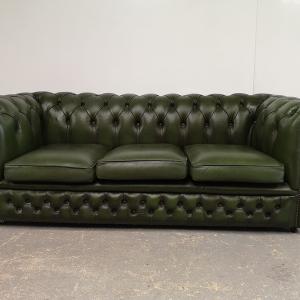 Canapé chesterfield cuir vert anglais trois places