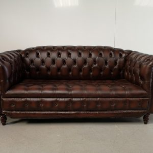 Canapé chesterfield cuir marron capitonné