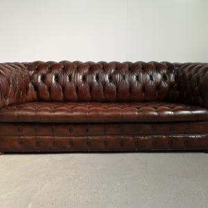 Canapé chesterfield cuir marron capitonné