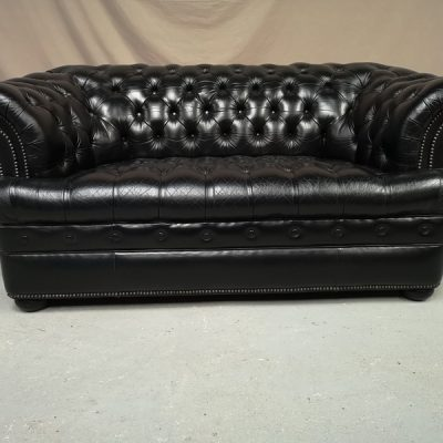 CANAPE CHESTERFIELD DEUX PLACES NOIR