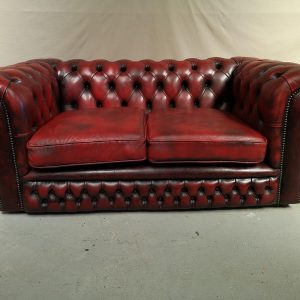 Canape chesterfield cuir rouge deux places