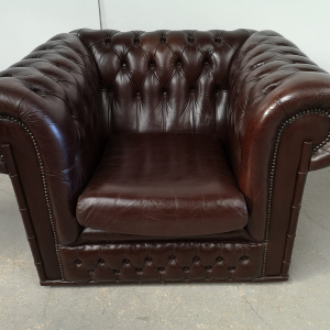 Fauteuil chesterfield cuir marron