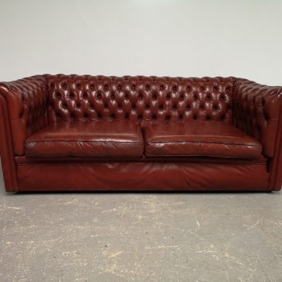 CANAPE CHESTERFIELD CUIR ROUGE