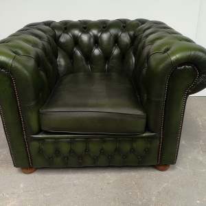 Fauteuil chesterfield cuir vert vintage