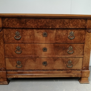 Commode style Louis Philippe Noyer